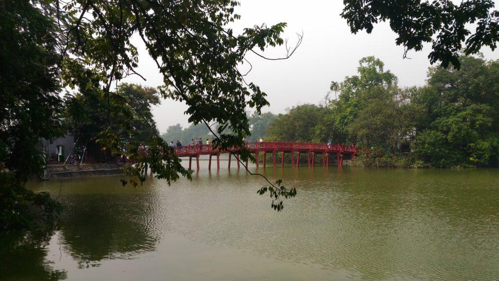 The red bridge to Jade Island.